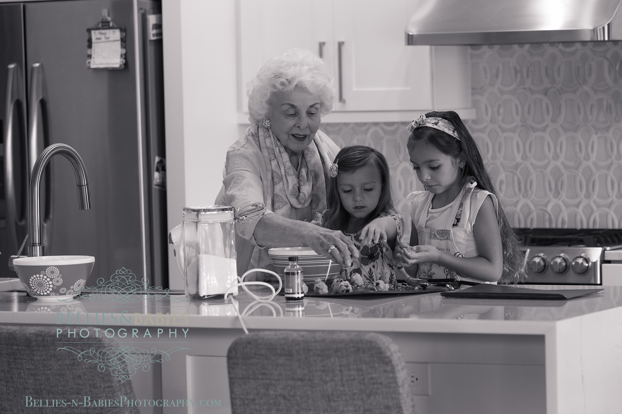 Little girls, great grandparents